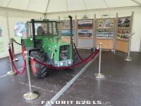 FENDTfan Ausstellungsstand und RC FENDT FAVORIT 626 LS 1 : 2